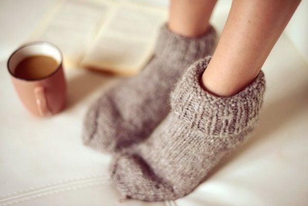 놓치기 쉬운 불안증의 초기 증상 중 하나는 차가운 발