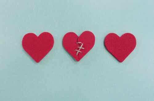 부정: 사랑이 한 사람만의 것이 아니게 될 때