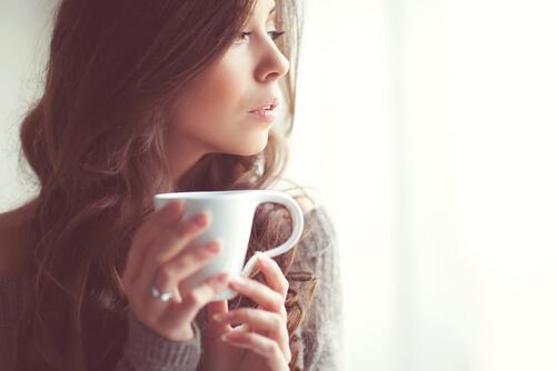 몸을 편안히 하는 데 도움이 되는 6가지 차
