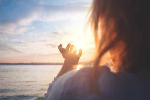 정서적 균형을 유지하고 어려운 감정에 대처하기 위한 7가지 단계