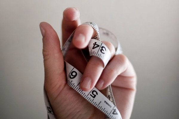 어떤 요인들이 섭식장애를 심화하는가?