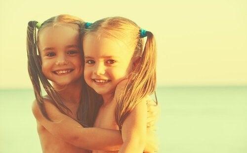 일란성, 이란성 쌍둥이의 생물학적, 심리학적 차이