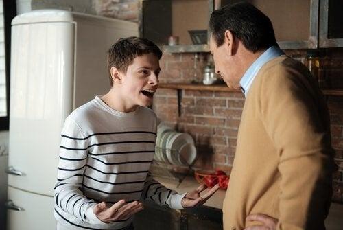 반항적인 청소년기 자녀를 둔 부모들을 위한 7가지 팁