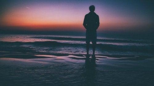 외롭다는 느낌, 적절한 상대가 아니라는 뜻이다