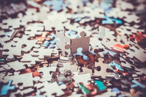 퍼즐 조각