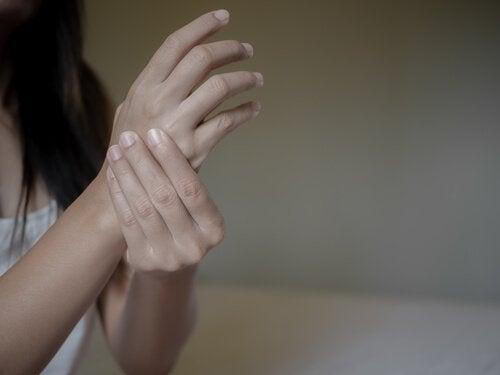 류머티즘 관절염과 부정적인 감정의 관계