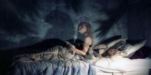 수면 마비: 무서운 경험