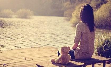 버려짐에 대해 끊임없는 두려움을 느끼는 원인