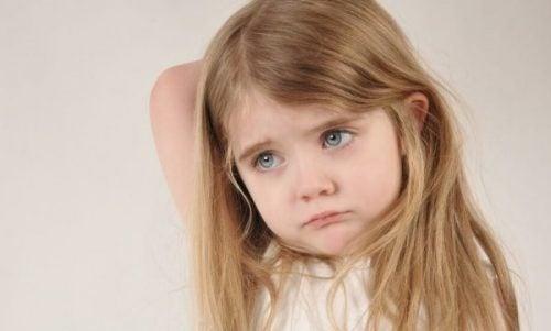 부모의 정서적 부재 속에 자라는 아이는 행동문제를 일으킬 수 있다