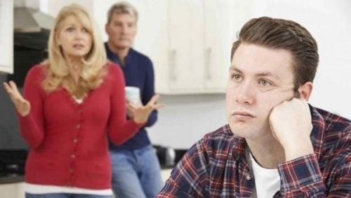 부모가 재정적 의존을 부추기는 경우가 있다