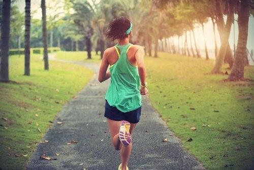 스트레스는 신경발생을 줄이고 운동은 늘인다