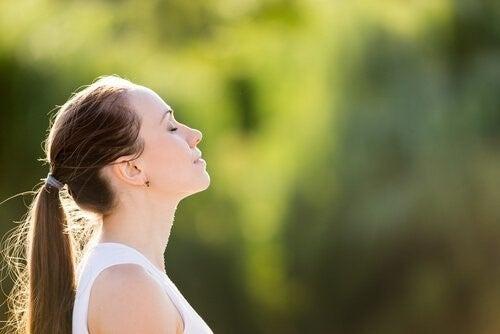 불안을 완화하는 호흡법 3가지