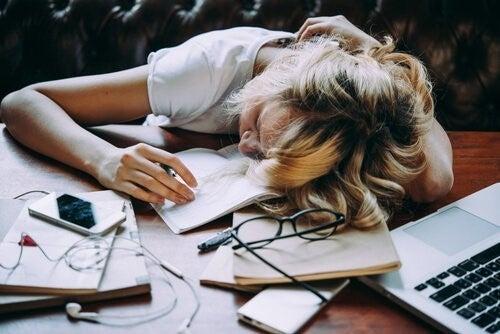 미루는 습관을 없애는 전략 4 가지 01