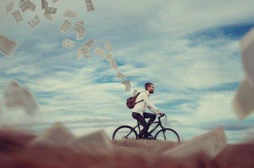 자전거를 타는 남자