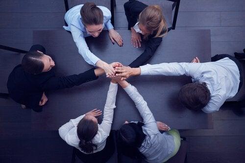 팀을 하나로 뭉치는 방법