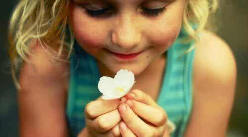 감정 표현을 해야하는 이유: 아이의 성장을 돕는 열쇠