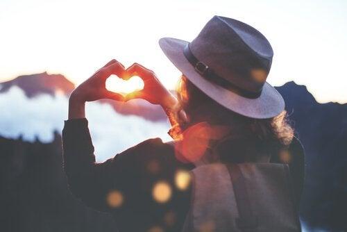 버지니아 사티어의 자존감을 강화해주는 5가지 자유