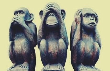 행복한 삶을 살도록 도와주는 현명한 세 원숭이