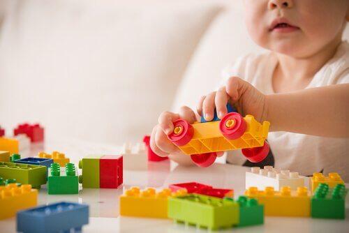 놀이와 아동 발달 사이의 관계