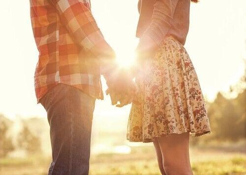 부부 치료에서 갈등을 해결하는 방법을 배운다