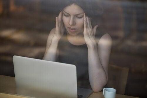 사이버 폭력 감지 팁 5 가지