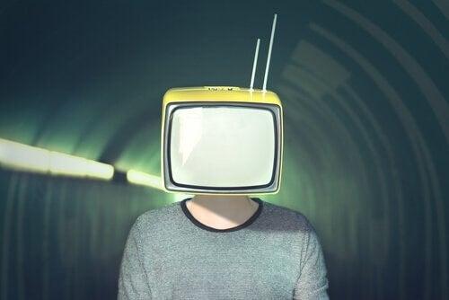 미디어 조종: 그 10 가지 전략