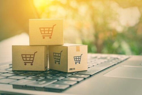 마케팅에 사용되는 전략: 키보드 위 박스들
