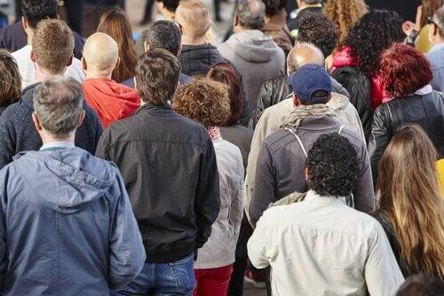 사회계급과 비인간화의 연결 고리