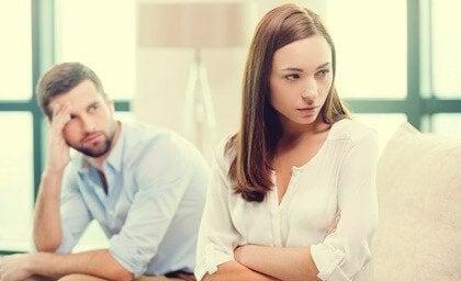 소통 대신 힌트를 주는 나쁜 연애방식