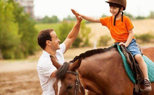 말 매개 치료의 6가지 이점