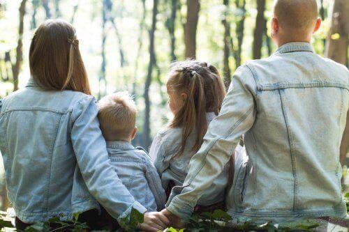 가정 분위기가 아이 양육에 끼치는 영향은?