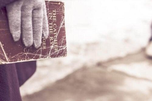 호밀밭의 파수꾼: 저주받은 책 02