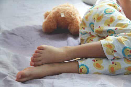 야뇨증: 원인, 증상 그리고 치료법