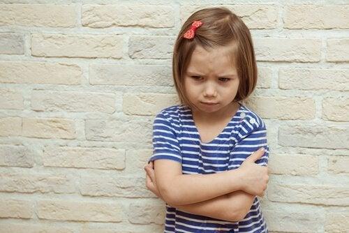 감정적 협박은 자녀를 해치는 방법일까