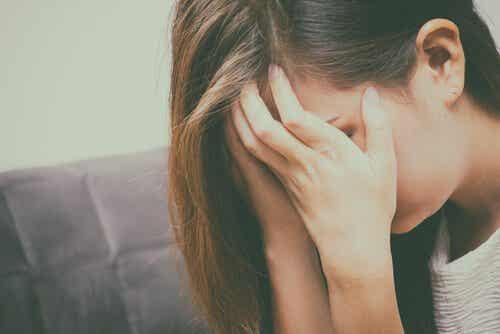 큐블러 로스 모델: 슬픔을 받아들이는 5가지 단계