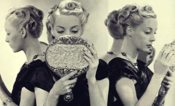 나르시시즘 : 자기애 성격장애의 5가지 원인