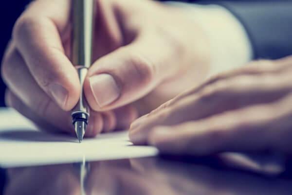 어떤 유형의 사람들이 치료 도구로서의 글쓰기를 할 수 있을까?