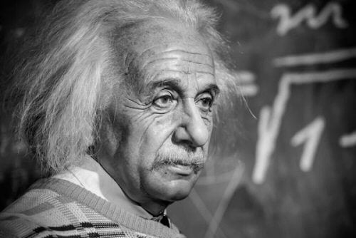 교수로서의 알버트 아인슈타인