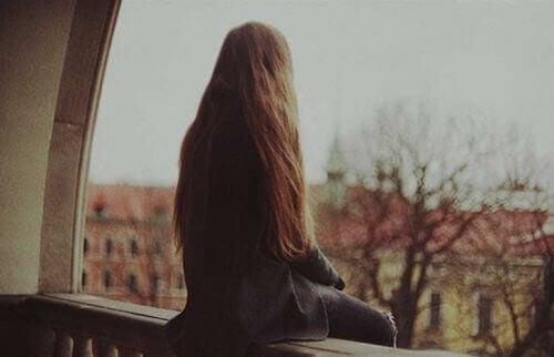 외로움을 견디지 못하는 이유