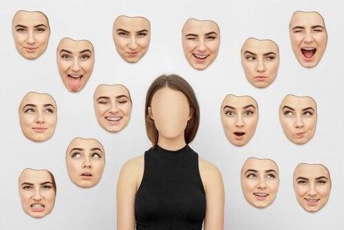 다른 사람의 감정 해석 다양한 표정 마스크