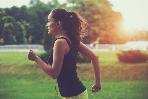아무리 달려도 충분하지 않게 느껴지는 달리기 중독