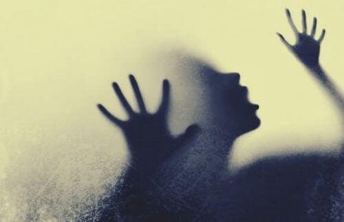 아불로마니아: 결정을 못 내리는 것이 병적일 때 01