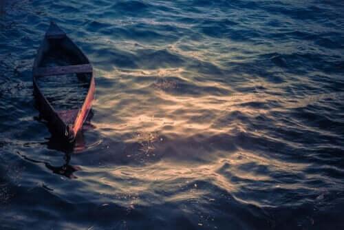 바다에 떠있는 보트