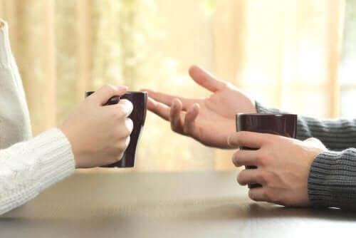 논쟁 중 침착함을 유지하는 기술 02