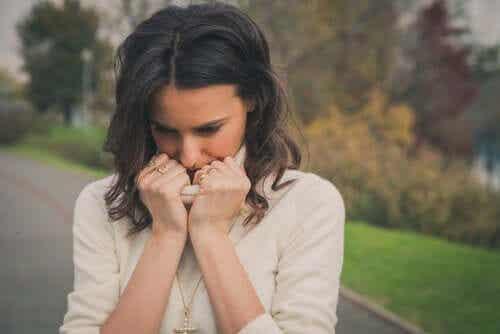 감정적 의존 관계 내의 인지 부조화