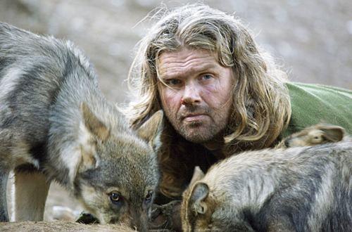 늑대인간 숀 엘리스와 늑대들