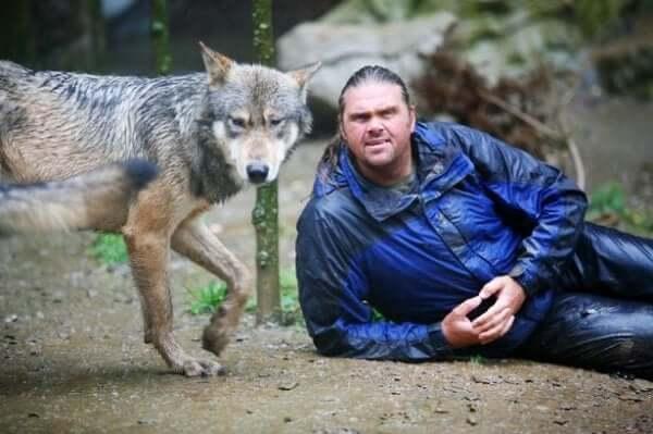 숀 엘리스: 늑대 무리 속 한 남자