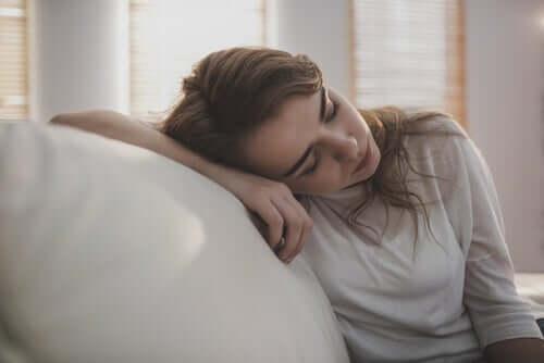 아미트리프틸린 - 누워 있는 여성