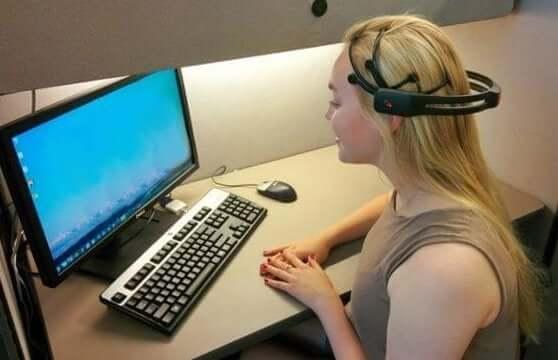 신경 심리학적 재활 치료의 혁신 - 컴퓨터와 소통