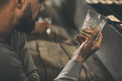 금욕을 목표로 한 알코올 중독에 대한 심리 치료